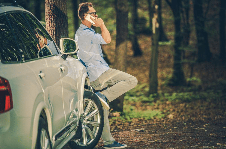 Here's Why You Shouldn't Break Into Your Car If You're Locked Out